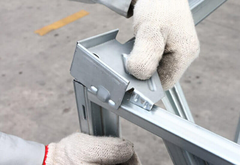 卡扣式鐵條箱組裝